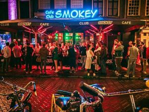 People lining up outside Club Smokey