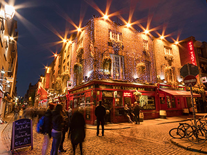 Image of The Temple Bar at night