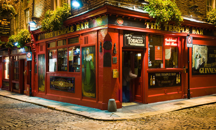 The Temple Bar in Dublin at night