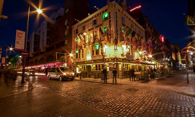 Oliver St. John Gogarty pub at night