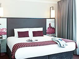 A double room in Mercure Holland House and Spa Hotel Cardiff