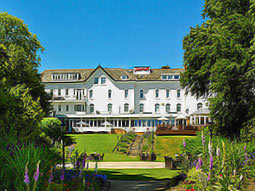 The Marriott York in its spacious grounds