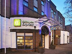 Exterior and entrance of the Holiday Inn Express Queen's Quarter