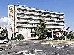 Exterior of Hotel Junior