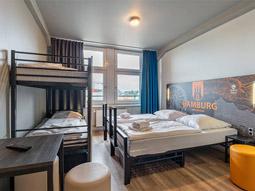 The exterior A&O Hostel Hamburg Hauptbahnhof