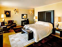 A double guest room at Hotel Marinela