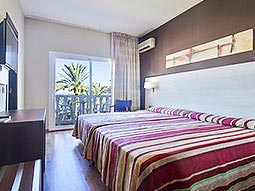 An example of a guest room at Hotel Best Siroco