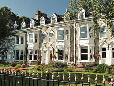 The exterior of Wheatlands Lodge Hotel in York