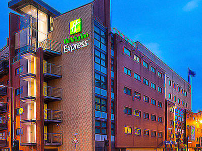 The exterior of Glasgow's Holiday Inn Express