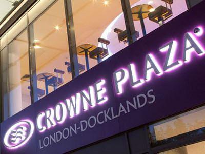 Crowne Plaza London Docklands Exterior Signage