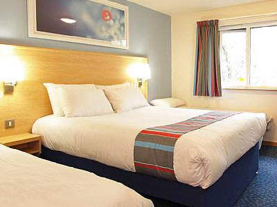 A spacious double room in Cambridges Travelodge