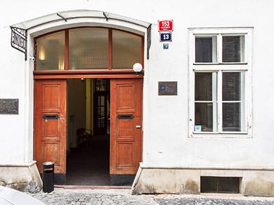 The doorway entrance to Hotel Jerome
