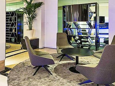 The lobby area of Hotel Melia TRYP Bellver
