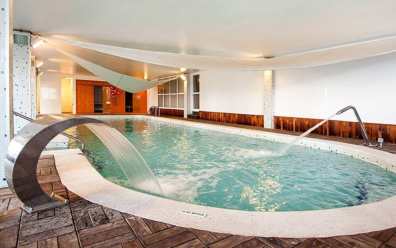 Indoor pool at Vistasol Apartments