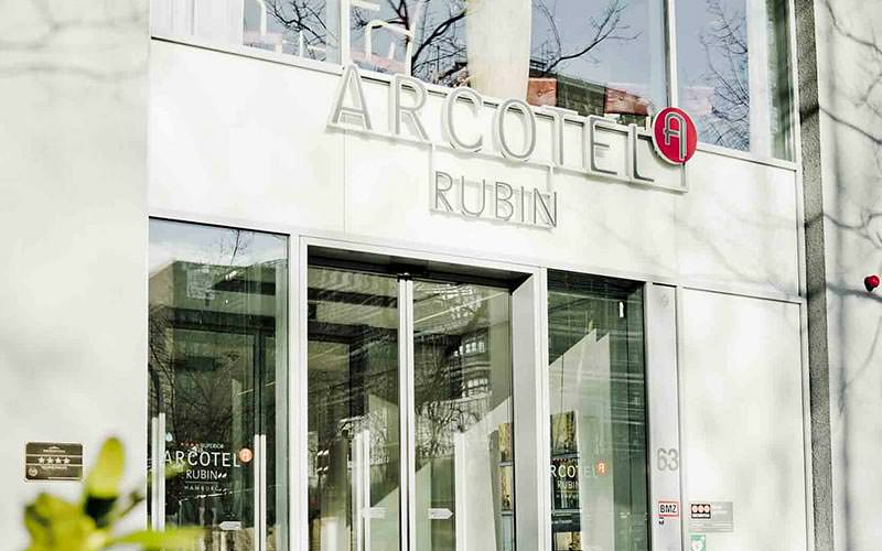 Exterior of Acrotel Rubin Hamburg during the day