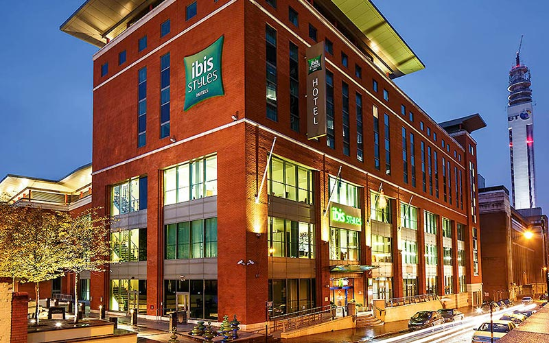The exterior of the grand building that is Ibis Styles Birmingham City Centre