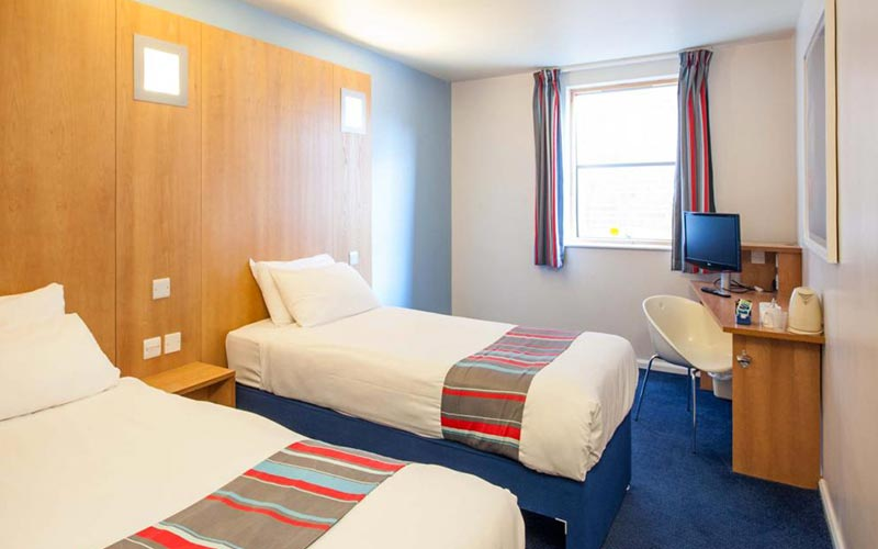 A twin room in Travelodge York Central Micklegate