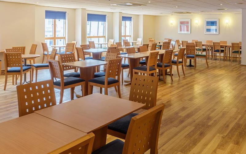 The dining area in Travelodge York Central Micklegate