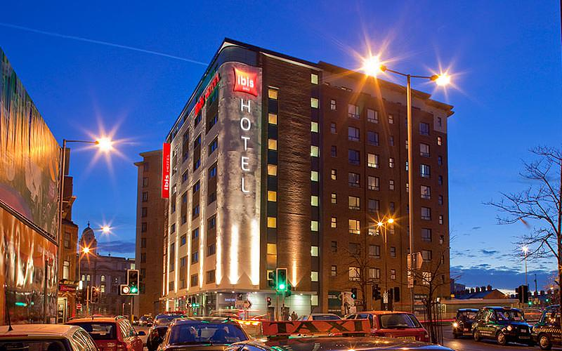 Exterior of the Ibis Belfast City Centre at night