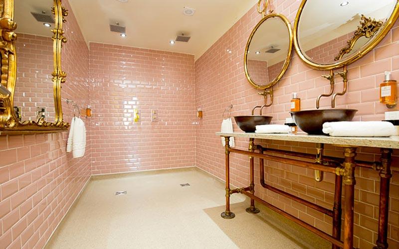 The Flamingo Suite