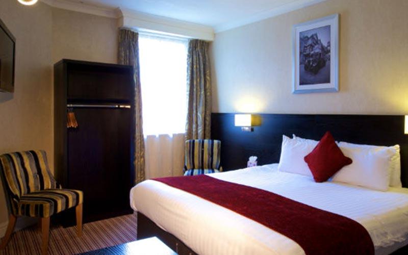A hotel room at Hallmark Chester Inn