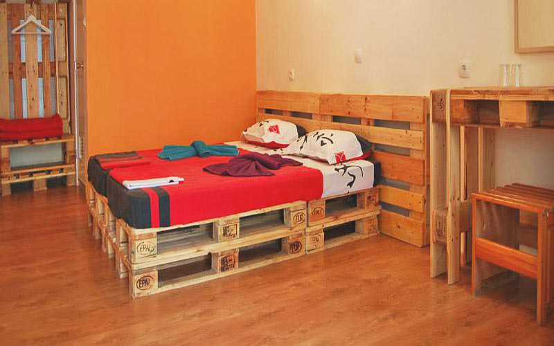 A guest bedroom at Hotel Pop Bogomil