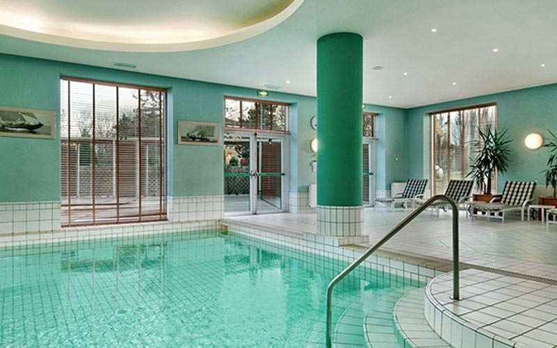 The indoor swimming pool at Hilton Sofia