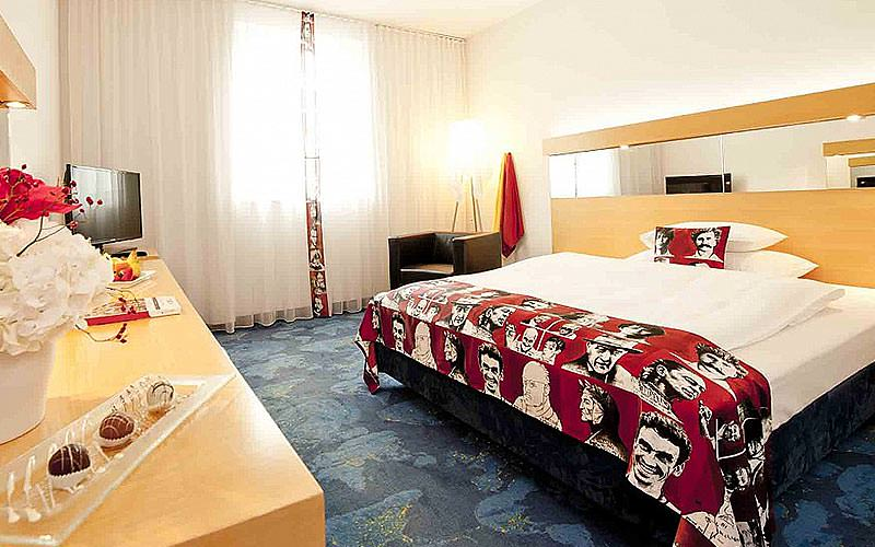 Example of a guestroom at Hotel Arcotel Allegra