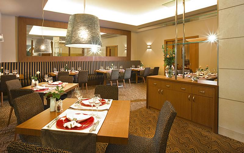 Dining area at Hotel International Zagreb