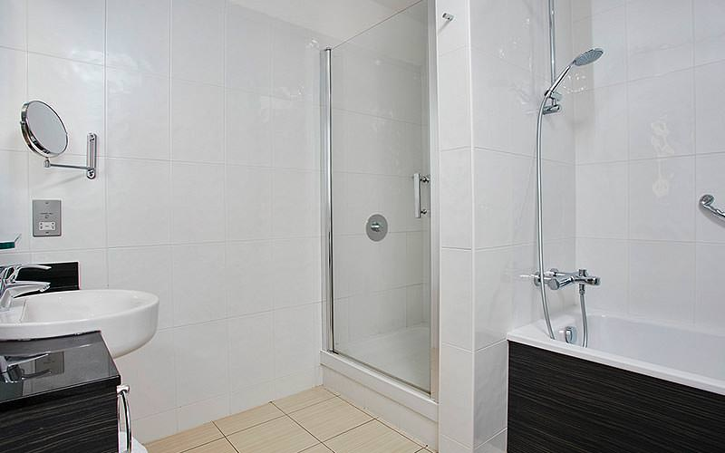 A guest bathroom at the Jurys Inn Christchurch