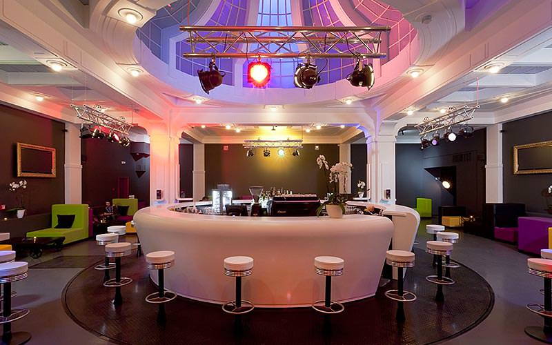 The 360 Degree bar and lounge with circular bar