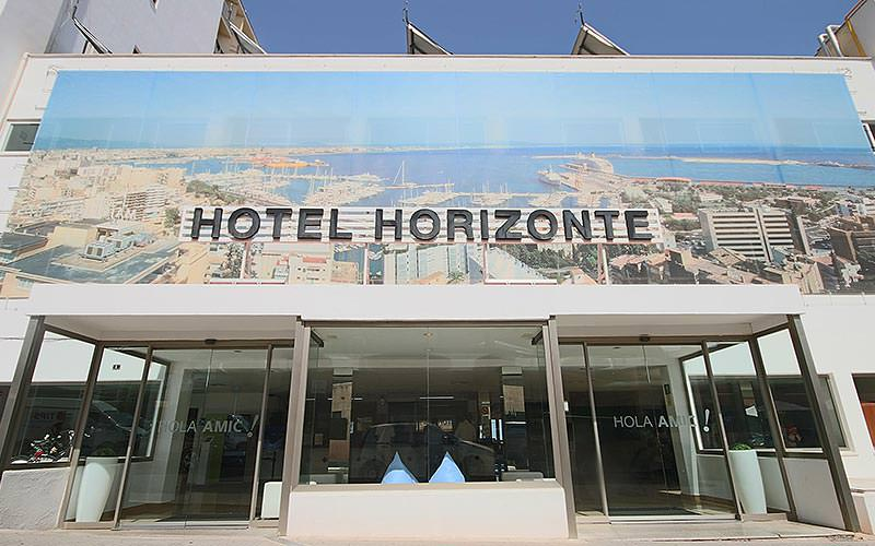 Exterior sign of Hotel Amic Horizante