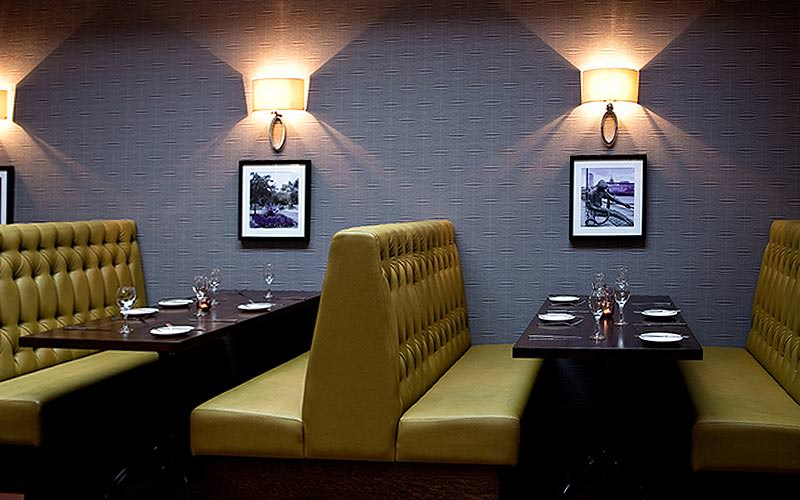 Dining booths at the Jurys Inn Parnell Street