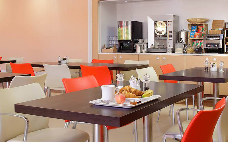 The breakfast area in Southampton's Ibis