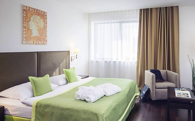 Double bedroom example at the Austria Trend Hotel