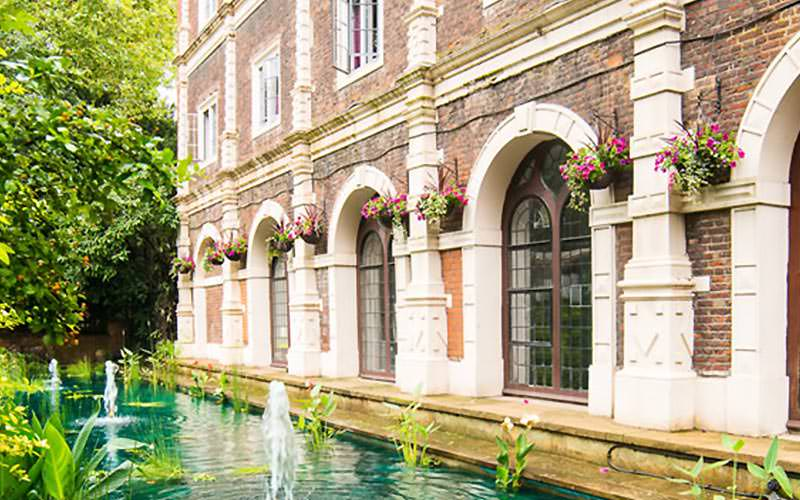 Exterior of Safestay London Holland Park