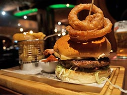 Clays and Craic - Buskers On The Ball - Beer & Burger