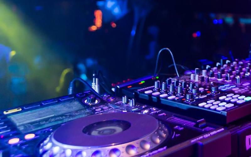 A close up of some DJ decks