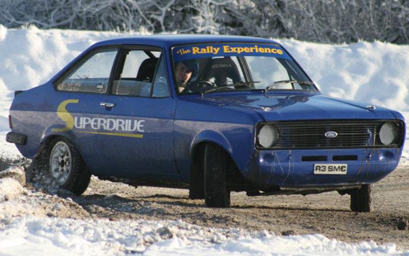 A blue rally car