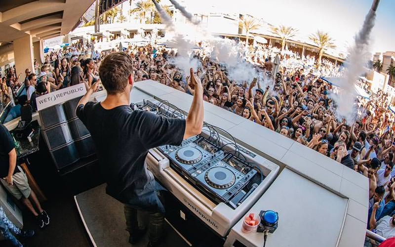 A view from the DJ booth at Wet Republic