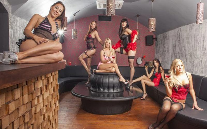 Lots of strippers in 4Play Lounge in Budapest