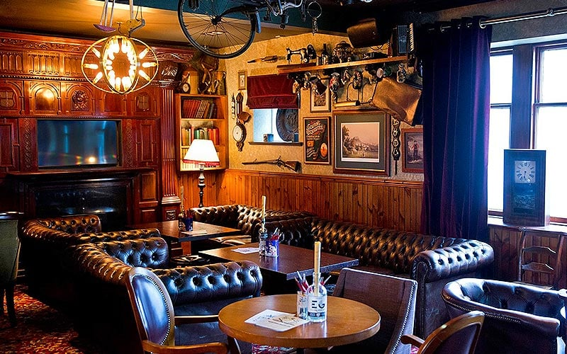 The interior of The Golf Tavern, Edinburgh