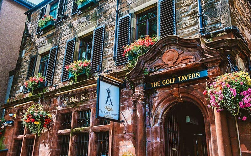 The exterior of The Golf Tavern