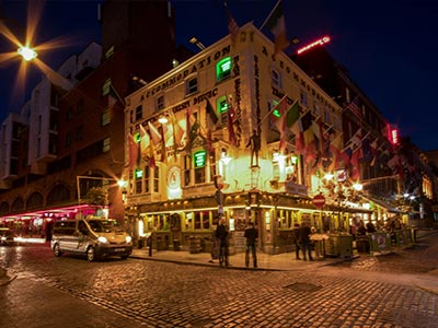 Oliver St John Gogarty's lit up at night
