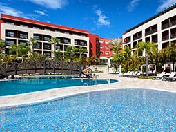 Exterior of Barcelo Marbella, with the outdoor pool in the foreground