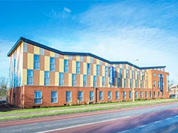 The exterior of Travelodge Oxford Abingdon Road