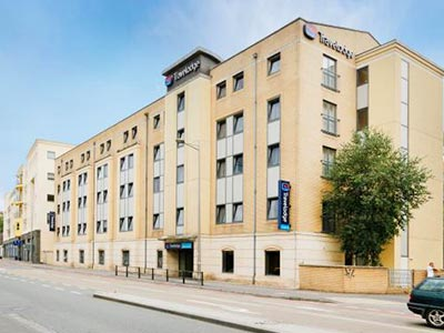 Exterior of Travelodge Bristol Central