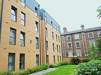 Exterior of CityLiveIn Apartments Edinburgh