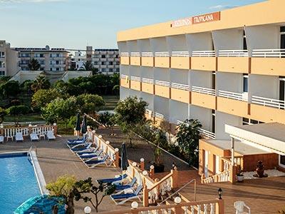 The exterior of Estudios Tropicana