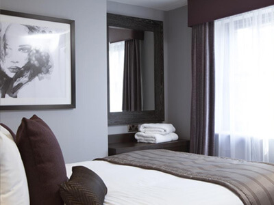 A bedroom at Epic Apart Hotel RopeWalks